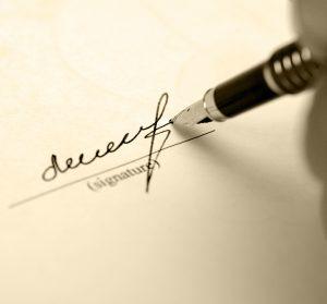Подлинность документа или подписи установит почерковедческая экспертиза