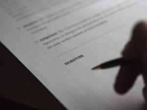 Почерковедческая экспертиза документа: судебная практика