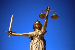 Имеет ли суд право отказать в почерковедческой экспертизе?
