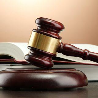 Барнаульский суд ответит, виновен ли депутат